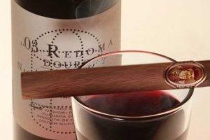 Szivaros mindent tudó - illik a szivarokhoz a prémium bor?