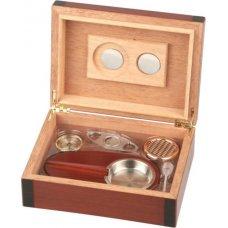 Humidor 30 szivar részére, diófa mintás, fekete szegéllyel, belső hygrométerrel + szivaros ajándék szett