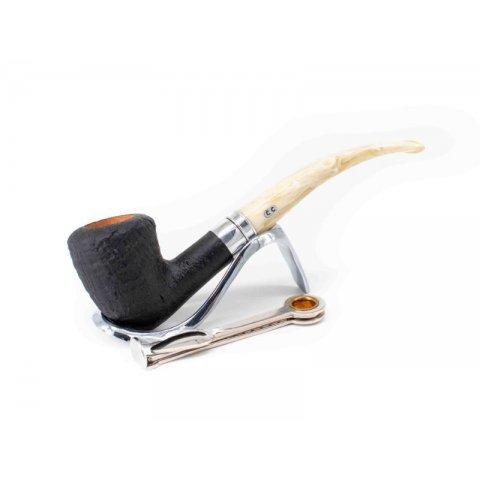 Chacom Bienne 95, fekete színű homokfúvott bruyer pipa, hajlított fehér színű akril csutorával